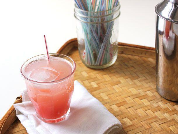 2013421-249210-rhubarb-lime-gimlet-2.jpg