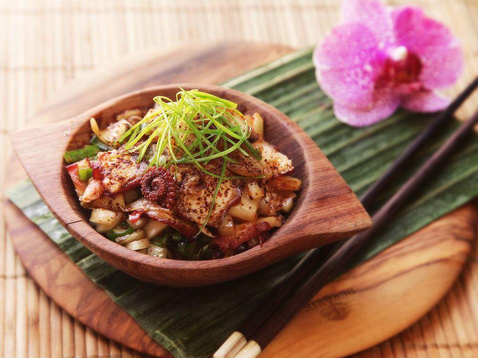 20160608-poke-tuna-hamachi-octopus-salmon-hawaii-recipe-16.jpg