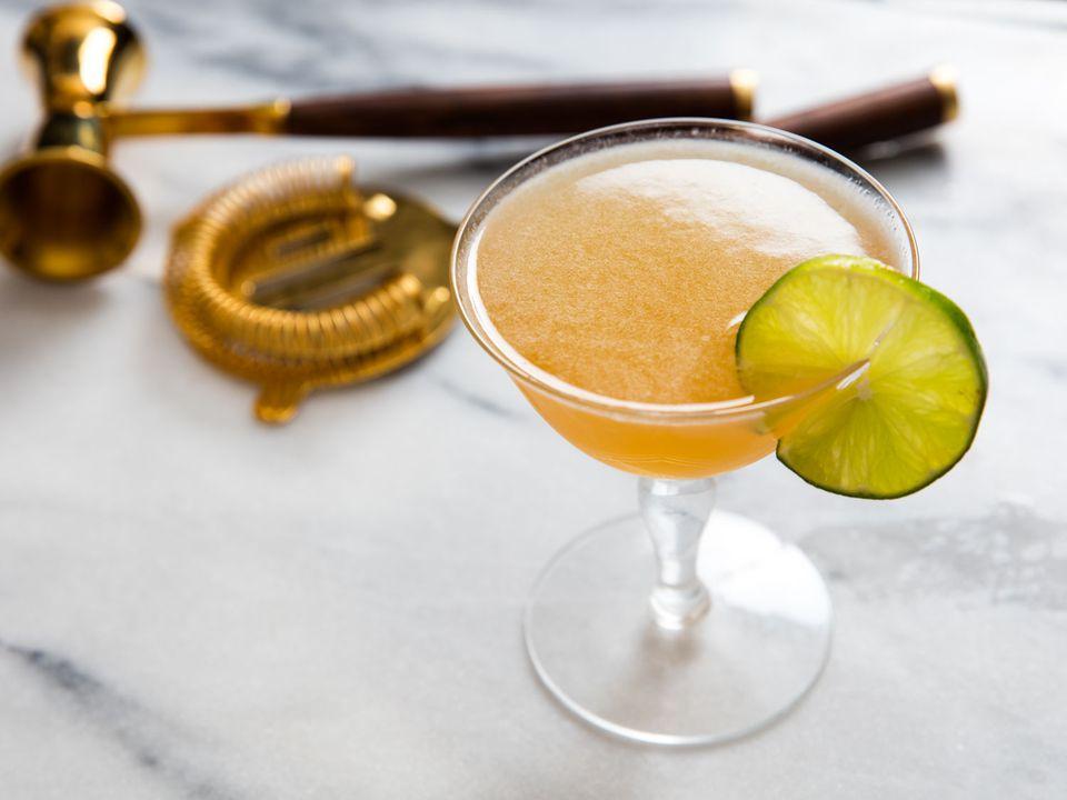 20160512-recipe-brooklyn-bartender-cocktails-vicky-wasik-mr-howell.jpg