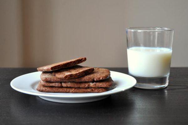 20120410-cookiemonster-chocolate-coffee-graham-crackers.JPG