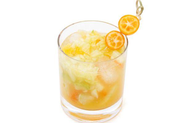 20120116-cocktail-winter-kumquat-fennel-smash.jpg