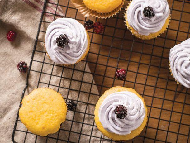 20140626-btb-blackberrycupcakes.jpg