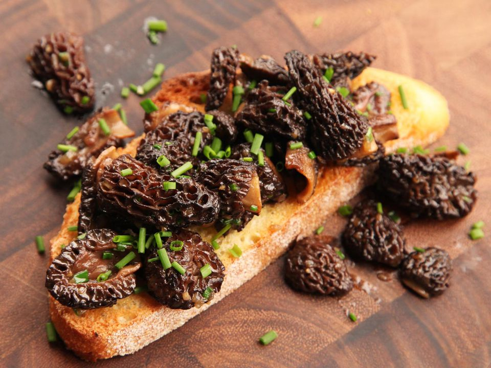 20150506-easy-spring-tartines-recipe-09.jpg