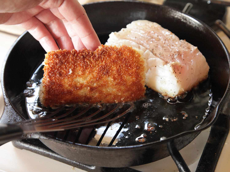 20140916-easy-pan-seared-crispy-fish-food-lab-09.jpg