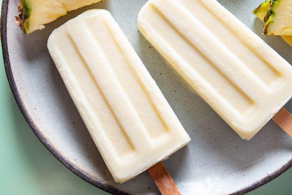 20200824-virgin-pina-colada-popsicles-vicky-wasik-2
