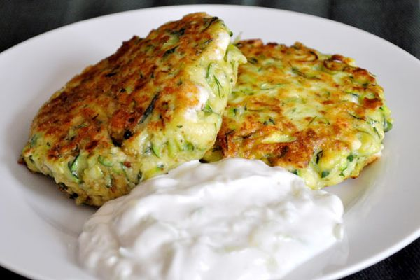 20110421-entertaining-greekeaster-zucchini-fritters.jpg