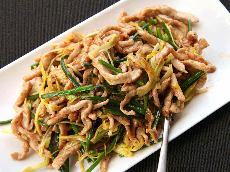 20140503-stir-fry-pork-yellow-chinese-chive-hi-res-kenji
