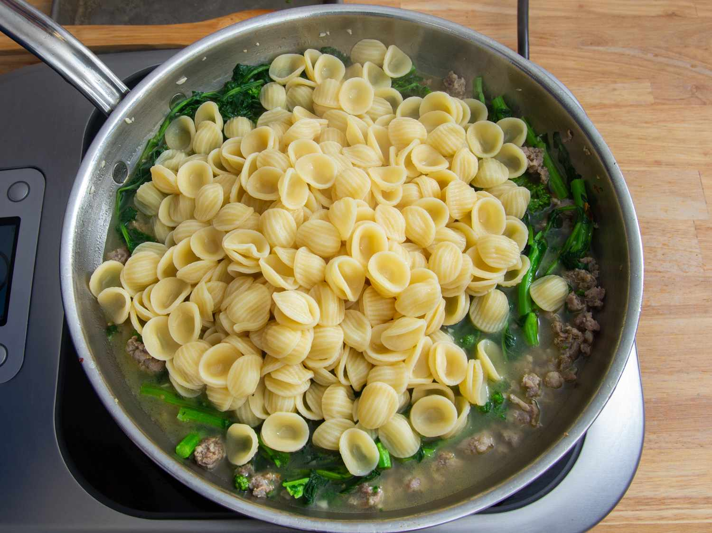 20210301-Orecchiette-Sausag-Broccoli-Rabe-sasha-marx-11