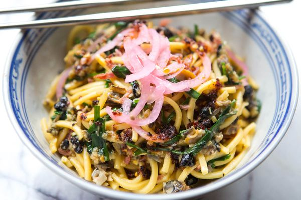 20141103-fung-tu-noodles-clams-sausage-vicky-wasik-43.jpg