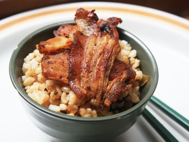 20121109-chichis-chinese-pork-belly-dish2.jpg