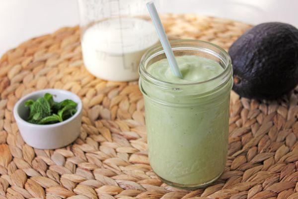 20130330-246496-avocado-kefir-smoothie-3.jpg