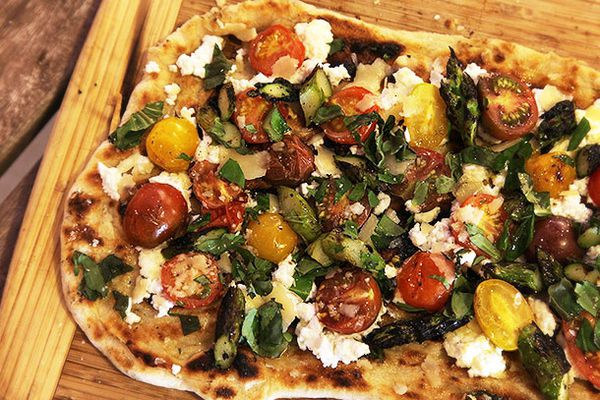 20140601-grilled-pizza-toppings-food-lab-5.jpg