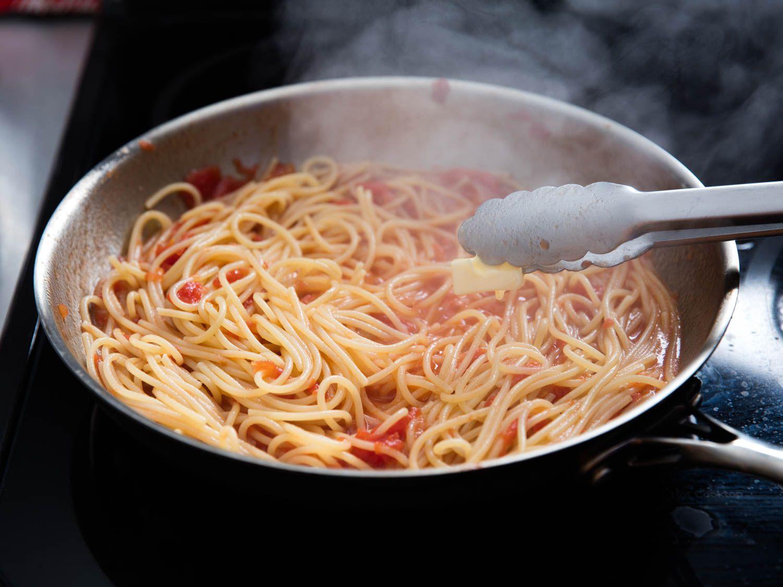 20160218-finishin-pasta-sauce-5.jpg