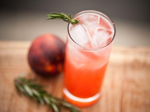 Navy Fizz cocktail