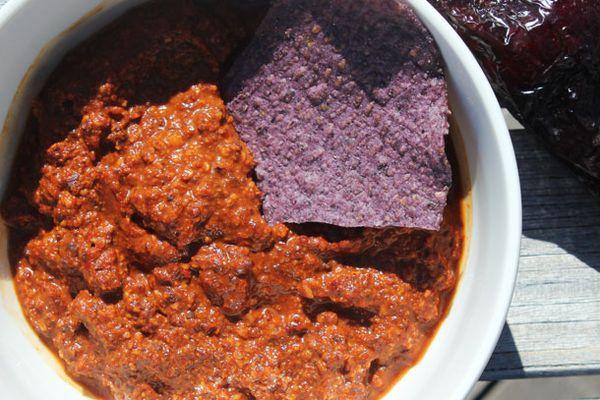 20130502-salsa-ancho-chipotle-chocolate-almond.jpg