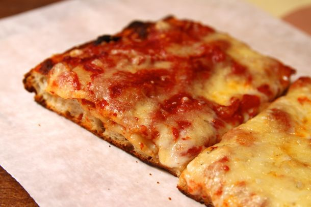 20110506-corner-slice-joes-bleecker-roma-zpizza-08.jpg