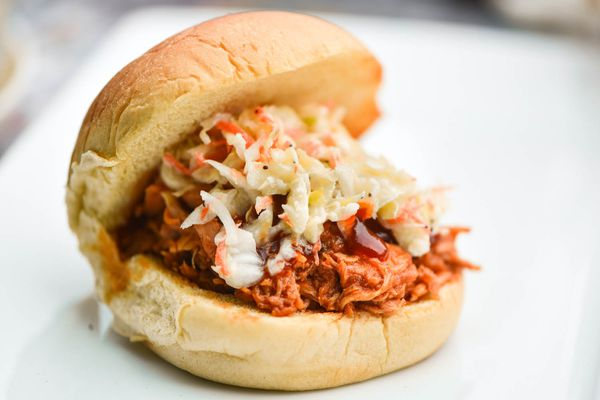 20140625-pulled-chicken-with-slaw.jpg