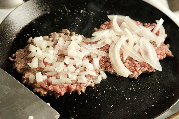 20120820-burger-lab-onions-27.jpg