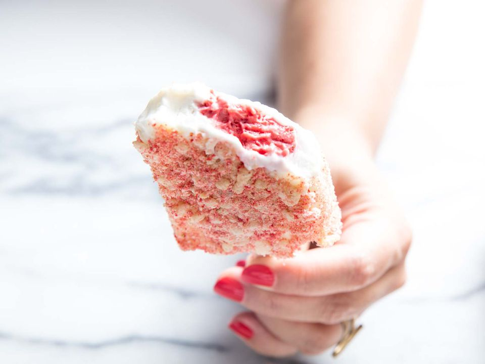 20180808-strawberry-shortcake-ice-cream-bar-vicky-wasik-14
