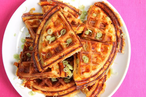 20131116-bacon-and-cheese-and-scallion-waffle-1.jpg