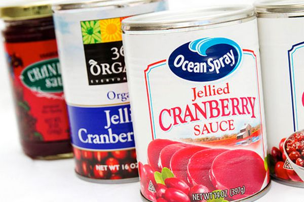 20131125-pantry-canned-cranberry.jpg