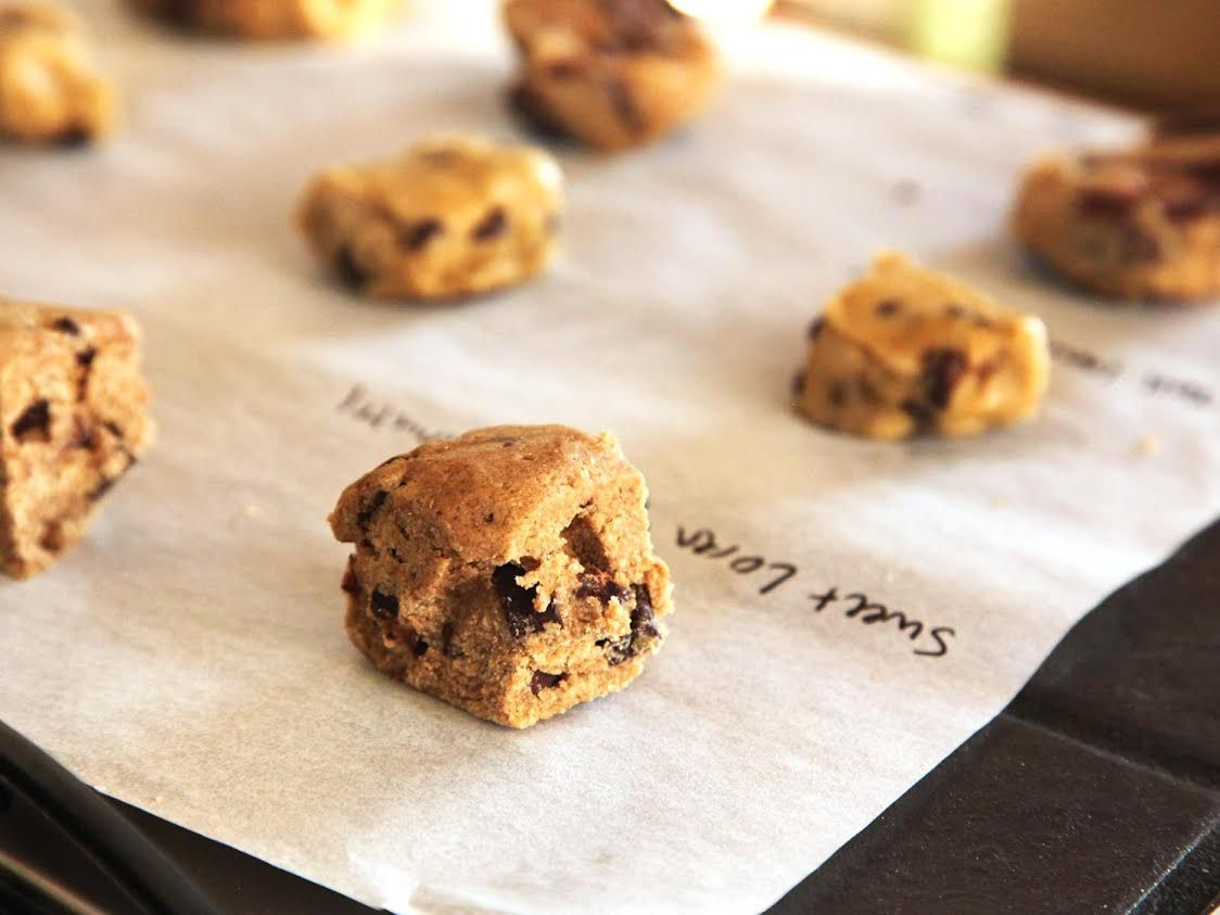 20141205-297201-cookie-dough-taste-test-3.jpg