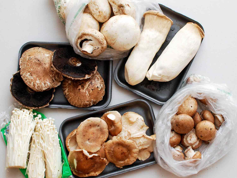 06182015-grilled-mushrooms-sesame-dressing-shaozhong-1.jpg