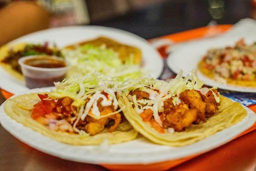 070812-213786-El-Siete-Mares-fish-shrimp-tacos.jpg