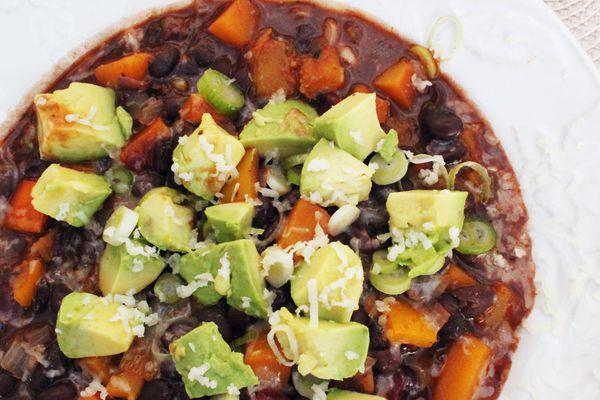 20131007-one-pot-wonders-chili-avocado.jpg