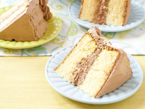 20110823-167411-Yellow-Birthday-Cake.jpg