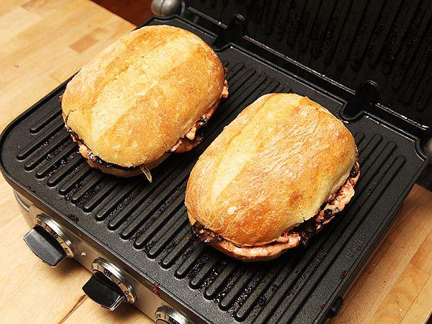 201402130-mushroom-onion-sandwich-vegan-recipe-5.jpg