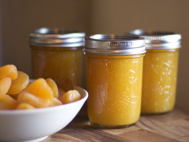 20120226-194184-preserved-apricot-honey-butter-primary.jpg