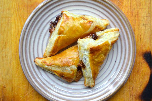 20130427-249168-sunday-brunch-peanut-butter-jam-turnover.JPG