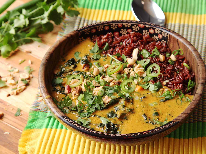 20160309-peanut-sweet-potato-kale-coconut-soup-stew-17.jpg