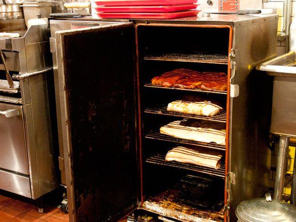 20120115-187447butcher-bar-smoker-10.jpg