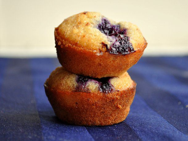 20120525-wake-and-bake-blueberry-financiers.JPG