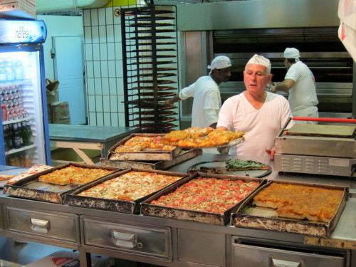 20110610-Panaficio-Graziano-Pizza-Trays.jpg