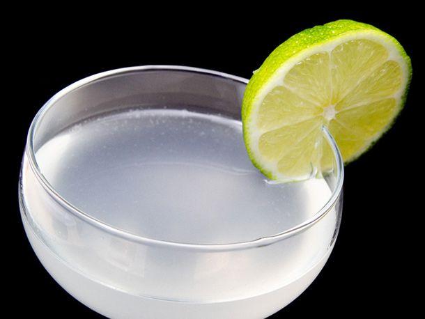 Daiquiri with lime slice