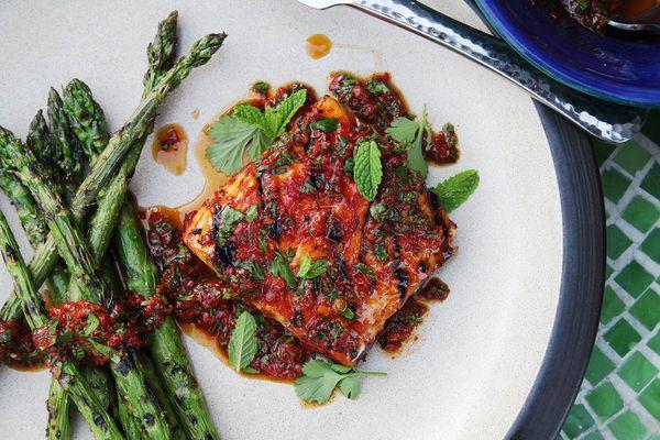 20160518-red-curry-marinated-halibut-vinaigrette-easy-summer-recipe-05.jpg