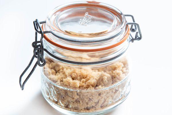 20190731-brown-sugar-storage-sealed-jar-vicky-wasik-4