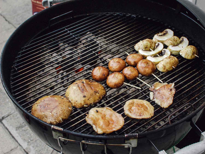 06182015-grilled-mushrooms-sesame-dressing-shaozhong-7.jpg