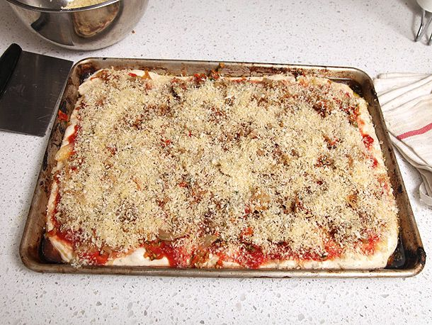 20120206-vegan-pizza-potatoes-zucchini-03.jpg