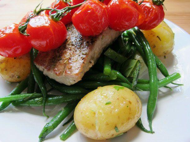 20120724-fiaf-seared-tuna-nicoise-vegetables-primary.jpg