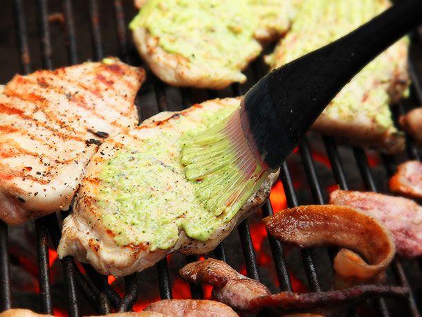 20140421-grilled-chicken-sandwich-colombian-bacon-potato-chip-green-sauce-recipe-05.jpg