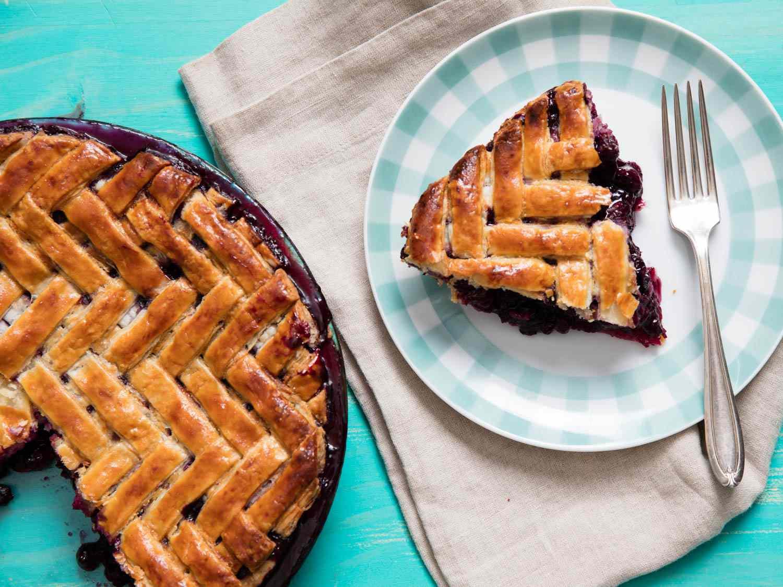 20160610-blueberry-pie-vicky-wasik-3.jpg