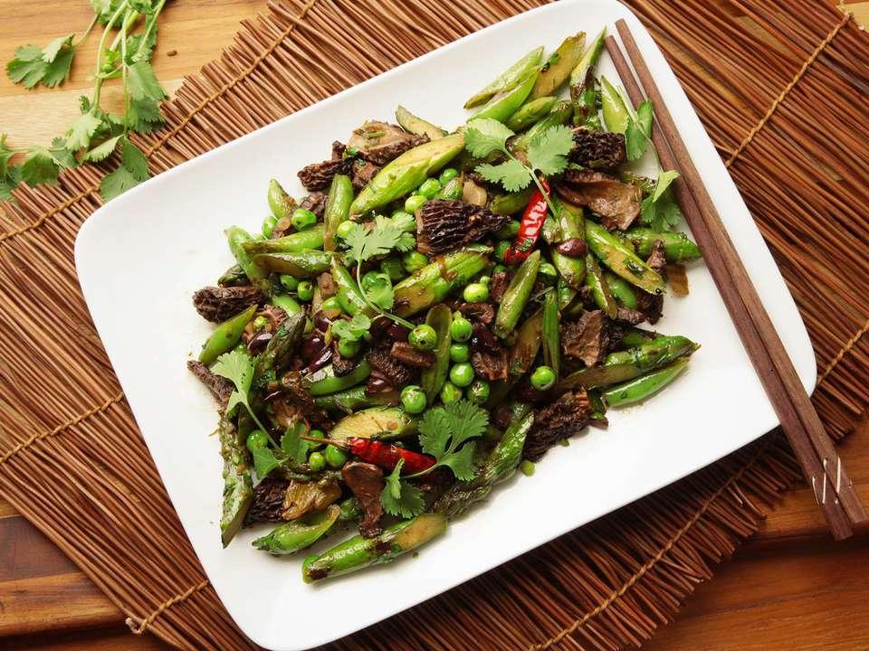 20160504-stir-fry-spring-vegetable-olive-recipe-10.jpg