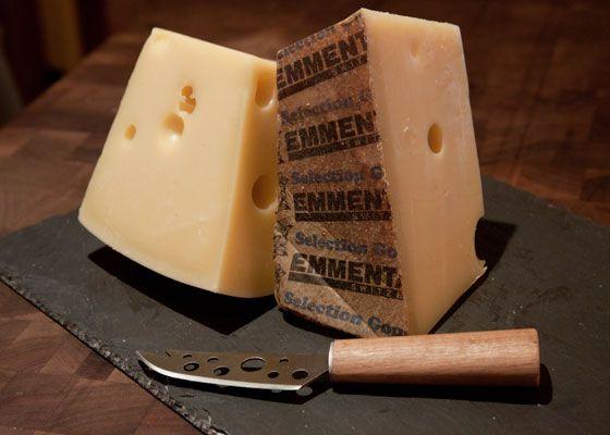 20131212-cheese-emmenthaler-01.jpg