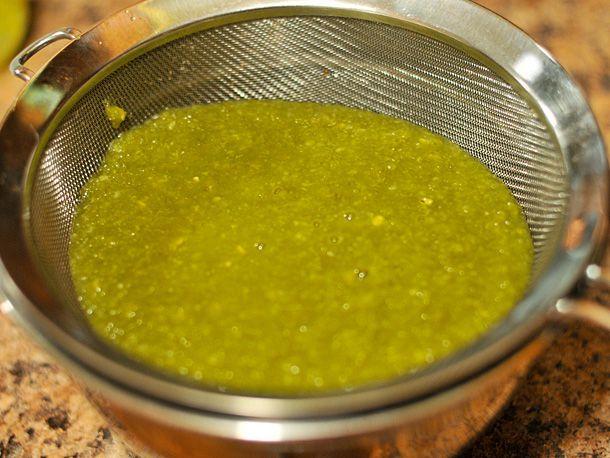 20110212-192585-green-hot-sauce-step-3