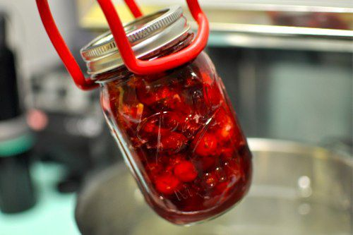 06122012-210389-pickled-cranberries.jpg