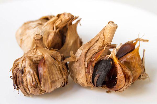 20150831-black-garlic-robyn-lee.jpg